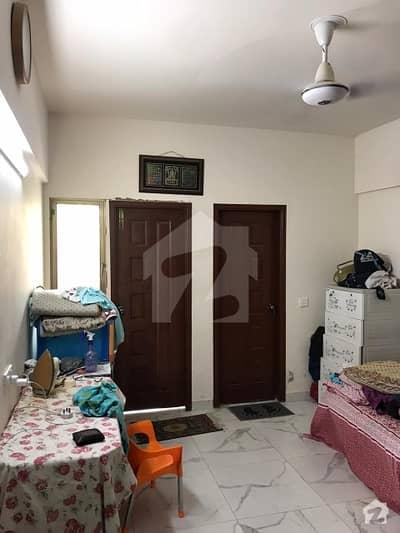 جناح ایونیو کراچی میں 5 مرلہ فلیٹ 1.15 کروڑ میں برائے فروخت۔