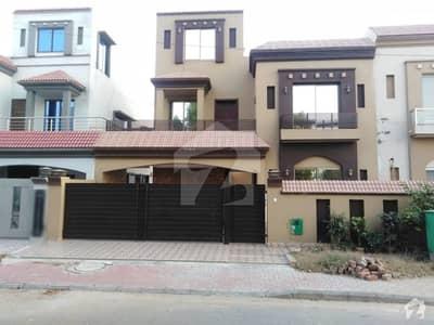 بحریہ ٹاؤن اوورسیز B بحریہ ٹاؤن اوورسیز انکلیو بحریہ ٹاؤن لاہور میں 5 کمروں کا 10 مرلہ مکان 1.8 کروڑ میں برائے فروخت۔