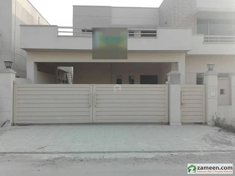 عسکری 10 - سیکٹر ایف عسکری 10 عسکری لاہور میں 4 کمروں کا 17 مرلہ مکان 4 کروڑ میں برائے فروخت۔