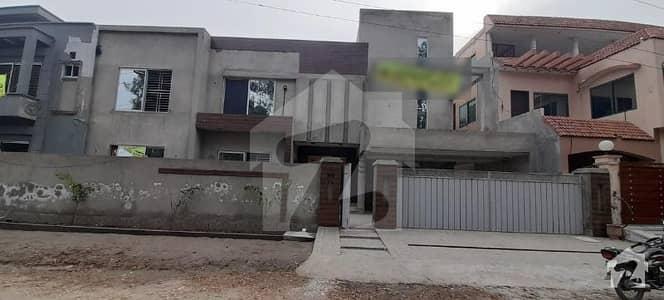 پبلک ہیلتھ سوسائٹی - بلاک بی پبلک ہیلتھ سوسائٹی لاہور میں 4 کمروں کا 1 کنال مکان 80 ہزار میں کرایہ پر دستیاب ہے۔