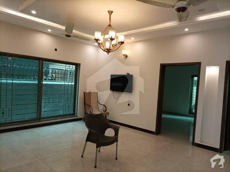 اسٹیٹ لائف ہاؤسنگ فیز 1 اسٹیٹ لائف ہاؤسنگ سوسائٹی لاہور میں 5 کمروں کا 10 مرلہ مکان 2 کروڑ میں برائے فروخت۔