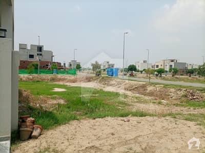 کے ای ایم سی ہاؤسنگ سوسائٹی لاہور میں 1 کنال مکان 1.35 کروڑ میں برائے فروخت۔