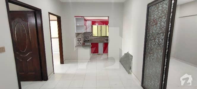 گلستانِِ جوہر ۔ بلاک 17 گلستانِ جوہر کراچی میں 3 کمروں کا 4 مرلہ فلیٹ 1 کروڑ میں برائے فروخت۔