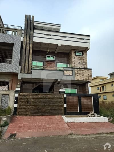 6 Marla Complete House Double Storey Outstanding Location