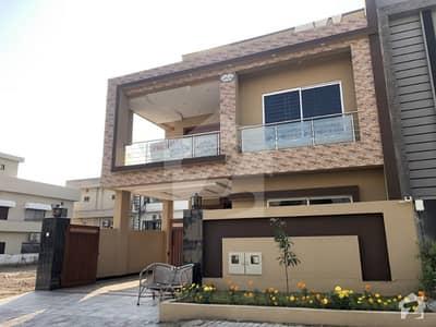بحریہ ٹاؤن فیز 6 بحریہ ٹاؤن راولپنڈی راولپنڈی میں 5 کمروں کا 10 مرلہ مکان 3.1 کروڑ میں برائے فروخت۔