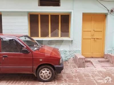گُل بہار پشاور میں 3 کمروں کا 4 مرلہ زیریں پورشن 17 ہزار میں کرایہ پر دستیاب ہے۔
