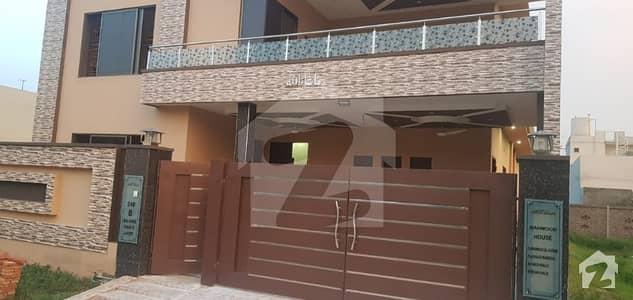 اقبال ایونیو فیز 3 اقبال ایوینیو لاہور میں 5 کمروں کا 1 کنال مکان 3 کروڑ میں برائے فروخت۔