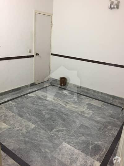 جیل روڈ لاہور میں 1 کمرے کا 1 مرلہ کمرہ 12 ہزار میں کرایہ پر دستیاب ہے۔