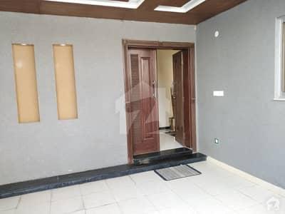 کینال ویلی مین کینال بینک روڈ لاہور میں 3 کمروں کا 5 مرلہ مکان 1.2 کروڑ میں برائے فروخت۔