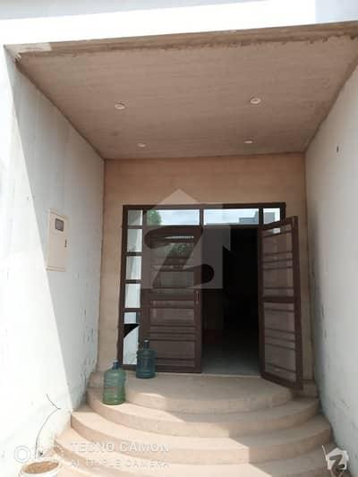 گلشنِ معمار - سیکٹر ڈبلیو گلشنِ معمار گداپ ٹاؤن کراچی میں 10 کمروں کا 1.2 کنال مکان 3.8 کروڑ میں برائے فروخت۔