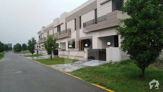 گرینڈ ایوینیوز ہاؤسنگ سکیم لاہور میں 3 کمروں کا 5 مرلہ مکان 82 لاکھ میں برائے فروخت۔