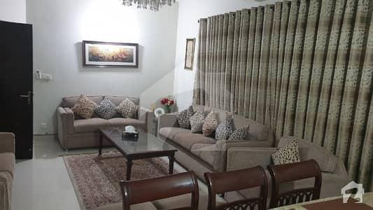 سرور روڈ کینٹ لاہور میں 4 کمروں کا 8 مرلہ مکان 3 کروڑ میں برائے فروخت۔