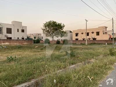 اسٹیٹ لائف فیز 1 - بلاک ای اسٹیٹ لائف ہاؤسنگ فیز 1 اسٹیٹ لائف ہاؤسنگ سوسائٹی لاہور میں 16 مرلہ رہائشی پلاٹ 1.45 کروڑ میں برائے فروخت۔