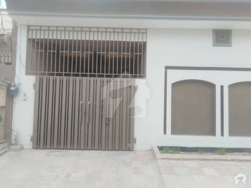 In Cheema Town House Sized 8 Marla For Sale