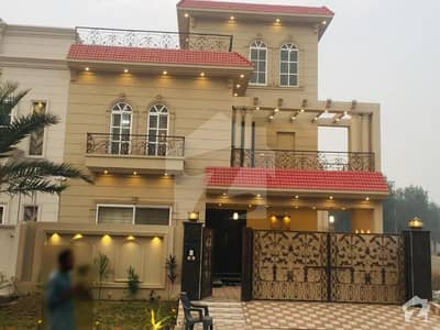 Luxury 1 Kanal Corner House For Sale In Citi Housing