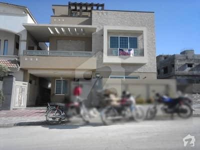 بحریہ ٹاؤن فیز 8 ۔ بلاک ایف بحریہ ٹاؤن فیز 8 بحریہ ٹاؤن راولپنڈی راولپنڈی میں 5 کمروں کا 10 مرلہ مکان 2.35 کروڑ میں برائے فروخت۔