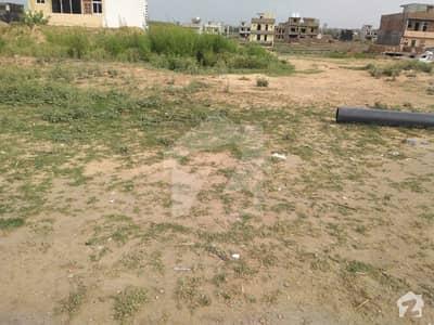 آئی۔12/4 آئی ۔ 12 اسلام آباد میں 7 مرلہ رہائشی پلاٹ 1 کروڑ میں برائے فروخت۔