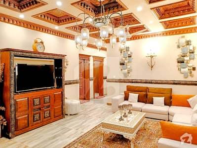 ڈی ایچ اے فیز 2 - سیکٹر جی ڈی ایچ اے ڈیفینس فیز 2 ڈی ایچ اے ڈیفینس اسلام آباد میں 6 کمروں کا 1 کنال مکان 5.25 کروڑ میں برائے فروخت۔