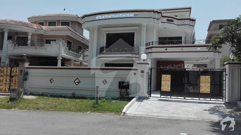 ایف ۔ 11 اسلام آباد میں 6 کمروں کا 1.33 کنال مکان 2.4 لاکھ میں کرایہ پر دستیاب ہے۔