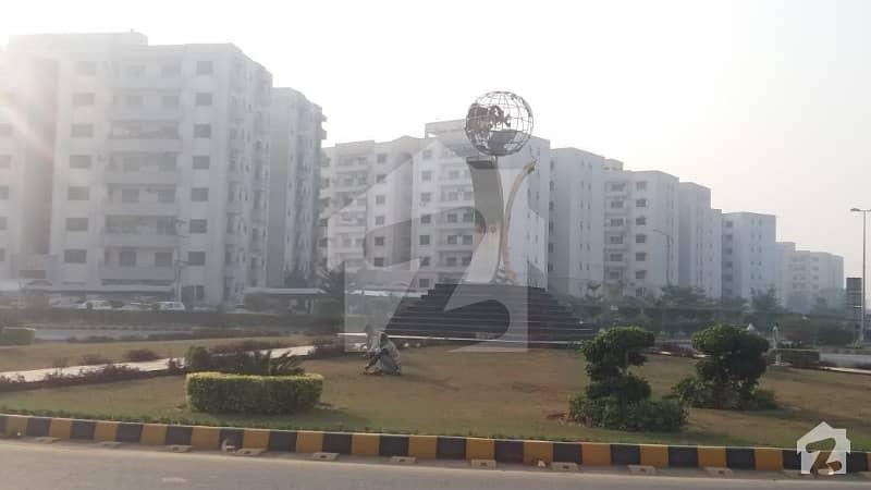 عسکری 11 ۔ سیکٹر بی عسکری 11 عسکری لاہور میں 3 کمروں کا 10 مرلہ فلیٹ 1.35 کروڑ میں برائے فروخت۔