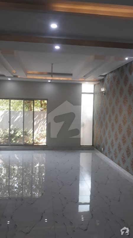 اسٹیٹ لائف فیز 1 - بلاک ایف اسٹیٹ لائف ہاؤسنگ فیز 1 اسٹیٹ لائف ہاؤسنگ سوسائٹی لاہور میں 4 کمروں کا 10 مرلہ مکان 2.25 کروڑ میں برائے فروخت۔