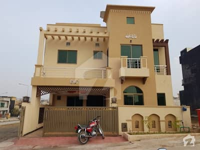 1575  Square Feet Spacious House Available In Bahria Town Rawalpindi For Sale
