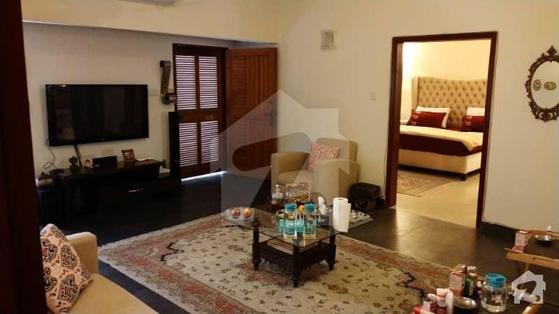کلفٹن ۔ بلاک 2 کلفٹن کراچی میں 3 کمروں کا 1.2 کنال زیریں پورشن 1.3 لاکھ میں کرایہ پر دستیاب ہے۔