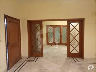جی ۔ 6 اسلام آباد میں 9 کمروں کا 1.33 کنال مکان 10 کروڑ میں برائے فروخت۔