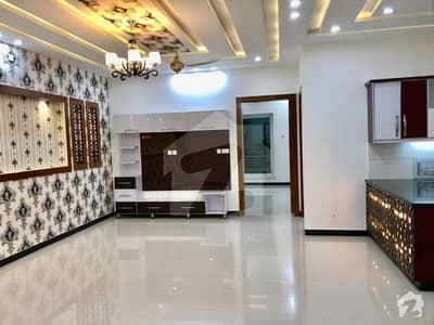 اسٹیٹ لائف ہاؤسنگ سوسائٹی لاہور میں 4 کمروں کا 10 مرلہ مکان 2 کروڑ میں برائے فروخت۔