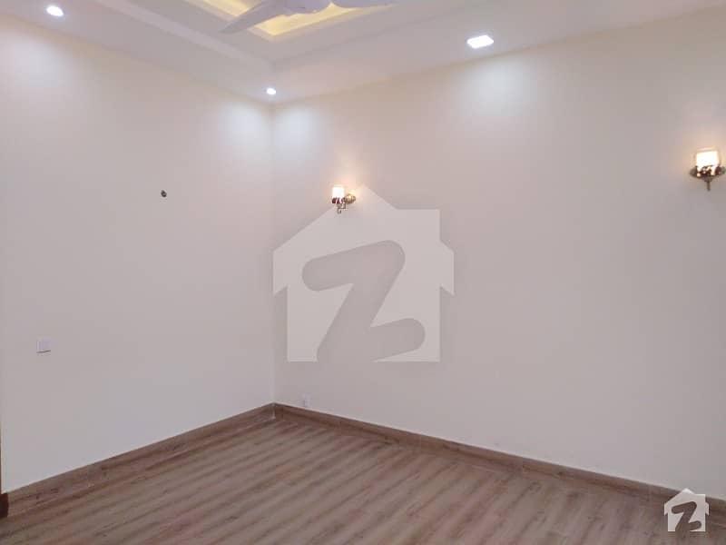 ڈی ایچ اے فیز 7 ڈیفنس (ڈی ایچ اے) لاہور میں 3 کمروں کا 1 کنال بالائی پورشن 52 ہزار میں کرایہ پر دستیاب ہے۔