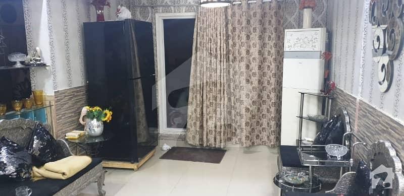 کلفٹن ۔ بلاک 2 کلفٹن کراچی میں 3 کمروں کا 8 مرلہ پینٹ ہاؤس 2 کروڑ میں برائے فروخت۔