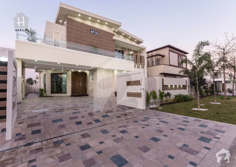 10 Marla Brand New Full Furnished Bungalow Available In Phase 6