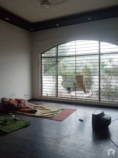 Dha Phase 4 Block DD Near To Park And Masjid Fully Beautiful House For Rant Good Location