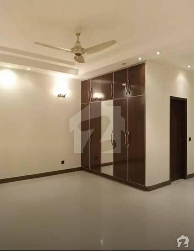 جوہر ٹاؤن لاہور میں 3 کمروں کا 1 کنال بالائی پورشن 85 ہزار میں کرایہ پر دستیاب ہے۔
