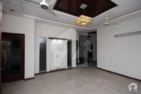 ڈی ایچ اے فیز 5 ڈیفنس (ڈی ایچ اے) لاہور میں 4 کمروں کا 10 مرلہ مکان 1.25 لاکھ میں کرایہ پر دستیاب ہے۔
