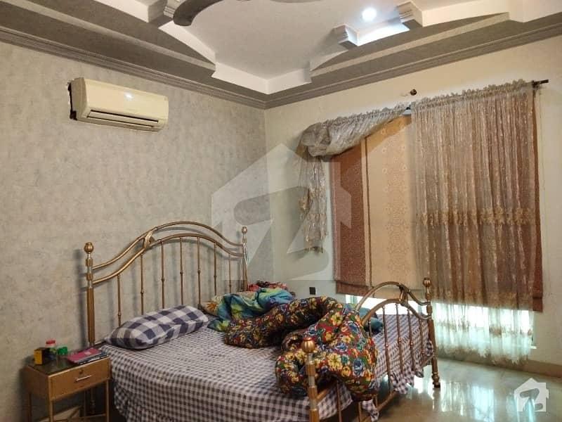 بٹالہ کالونی پیپلز کالونی نمبر 2 فیصل آباد میں 4 کمروں کا 7 مرلہ مکان 2.95 کروڑ میں برائے فروخت۔