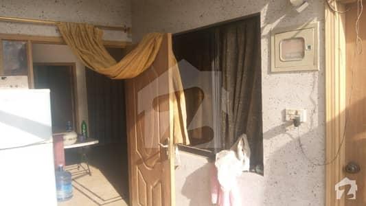 بفر زون - سیکٹر 15اے / 1 بفر زون نارتھ کراچی کراچی میں 2 کمروں کا 5 مرلہ بالائی پورشن 60 لاکھ میں برائے فروخت۔