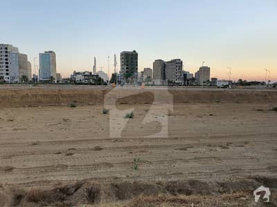 272 sqyd prime location plot in Precinct 6 chance deal