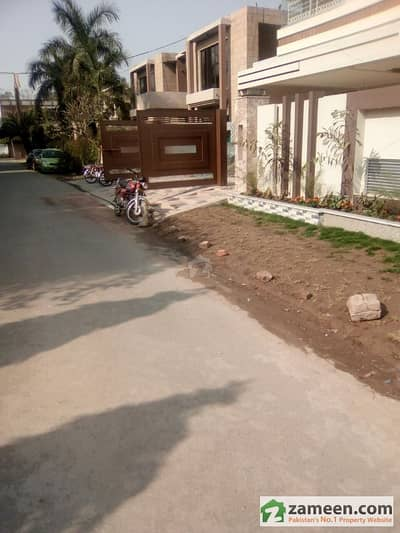 1 Kanal Brand New Double Story House For Sale