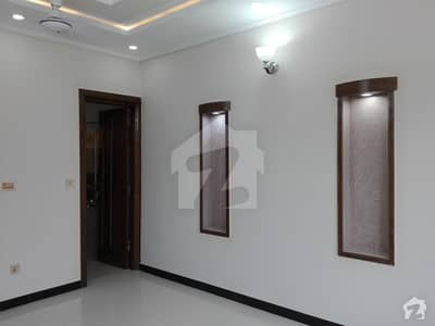 Stunning 20 Marla Upper Portion In Bahria Town Available