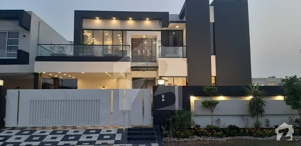 1 Kanal Modern Stylish Luxury Bungalow For Sale