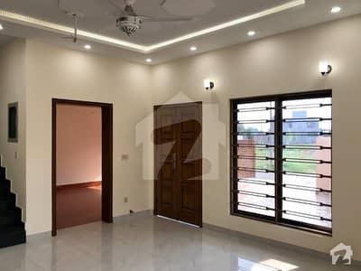 ڈی ایچ اے 11 رہبر فیز 1 ڈی ایچ اے 11 رہبر لاہور میں 4 کمروں کا 8 مرلہ مکان 2.1 کروڑ میں برائے فروخت۔