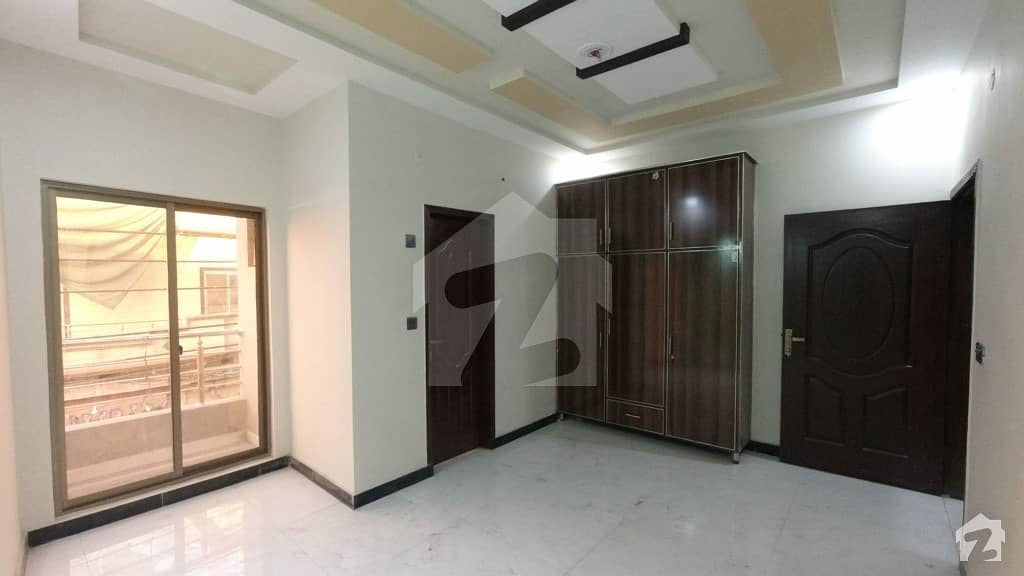 3 Marla Beautiful Flat Is Available For Sale In Samnabad Lahore