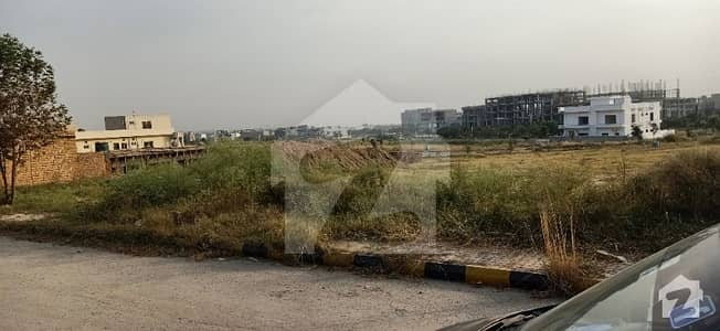 Plot File Of 4500  Square Feet Available In Gulberg