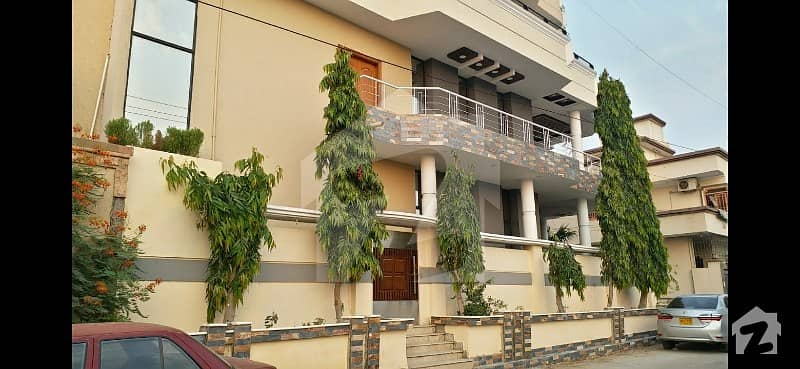 240 Sq Yards Corner Renovated & Well Maintained House For Sale Gulistan-e-jauhar Block 16a Karachi
