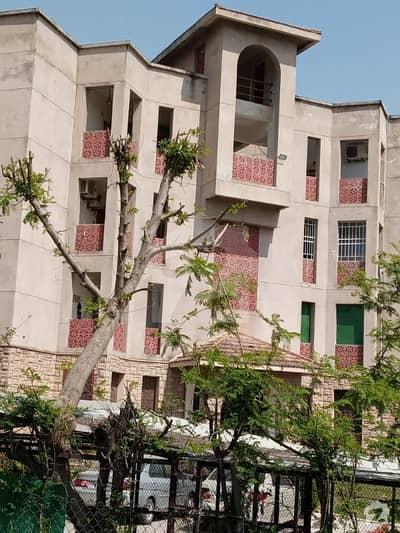 جی ۔ 11/4 جی ۔ 11 اسلام آباد میں 2 کمروں کا 4 مرلہ فلیٹ 1.25 کروڑ میں برائے فروخت۔