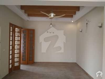 ڈی ایچ اے ہومز ڈی ایچ اے فیز 5 ڈیفنس (ڈی ایچ اے) لاہور میں 4 کمروں کا 10 مرلہ مکان 1 لاکھ میں کرایہ پر دستیاب ہے۔