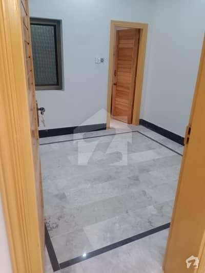حیات آباد فیز 6 - ایف7 حیات آباد فیز 6 حیات آباد پشاور میں 9 کمروں کا 10 مرلہ مکان 1 لاکھ میں کرایہ پر دستیاب ہے۔