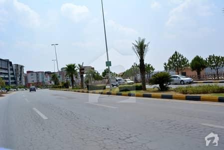 ڈی ایچ اے فیز 6 - بلاک ایف فیز 6 ڈیفنس (ڈی ایچ اے) لاہور میں 1 کنال رہائشی پلاٹ 3.2 کروڑ میں برائے فروخت۔