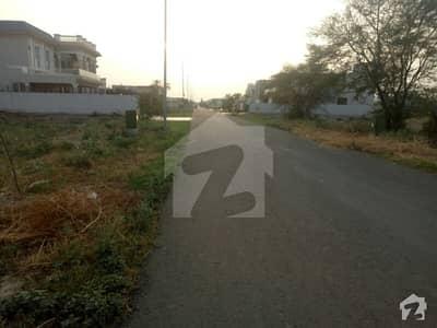 ڈی ایچ اے فیز 6 - بلاک ایف فیز 6 ڈیفنس (ڈی ایچ اے) لاہور میں 1 کنال رہائشی پلاٹ 3.25 کروڑ میں برائے فروخت۔